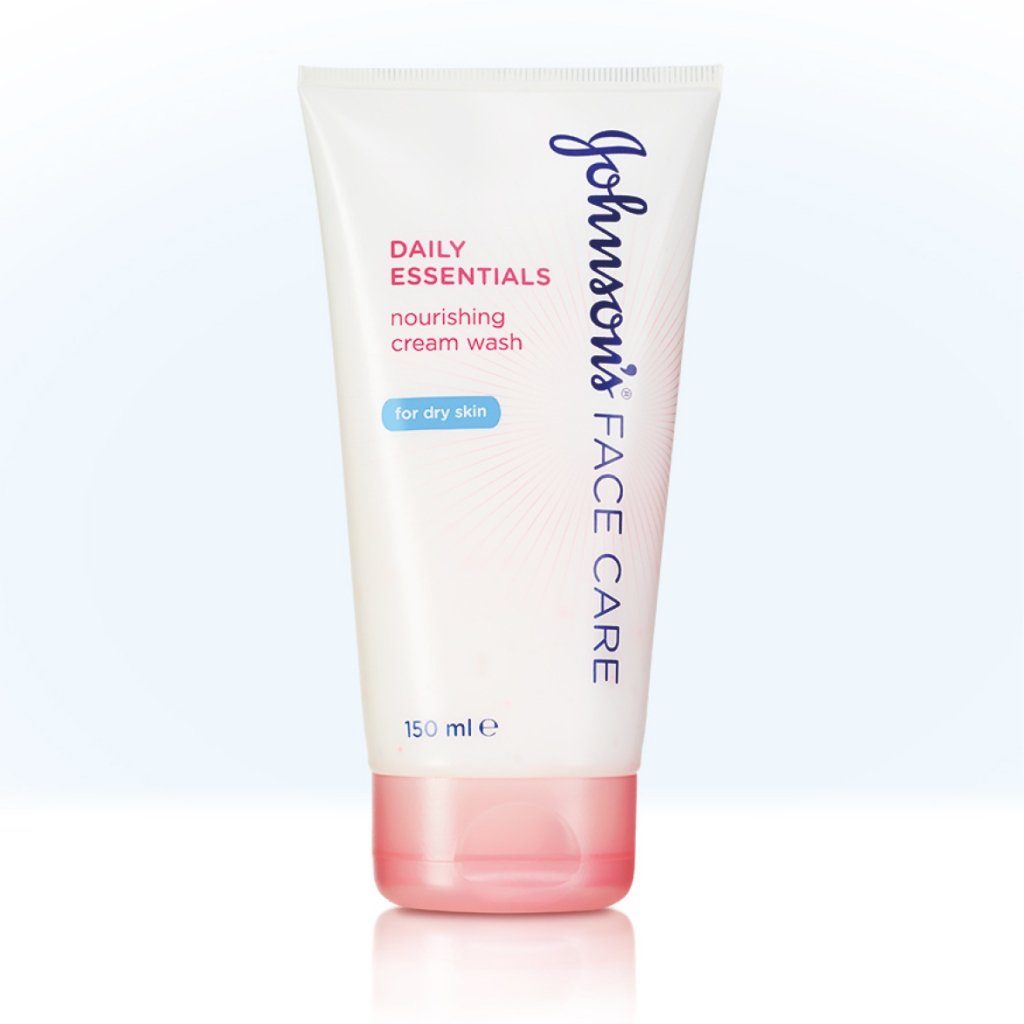 Daily Essentials Nourishing Cream Wash for Dry Skin product image